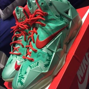 "Nike LeBron 11's ""Christmas Day"""